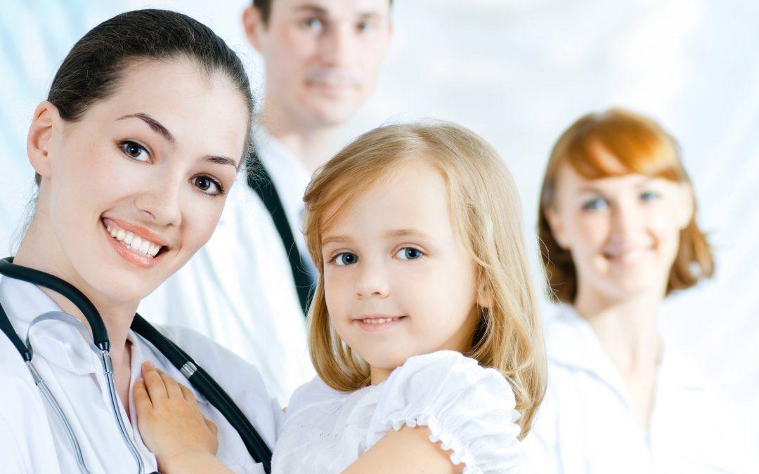¿Por qué mi hijo debe ser operado por un cirujano pediatra?